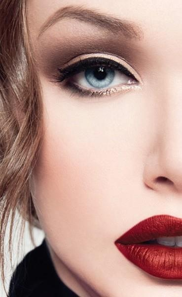 Bold lip, neutral eye and subtle eyeliner