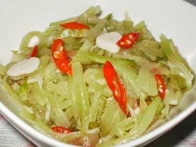 Resep Tumis Labu Siam - Disini ada rahasia cara membuat sayur tumis labu siam yang enak dan super gurih lho!