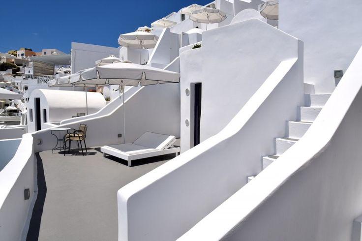 Chromata-Luxury-Hotel-Santorini-Greece-Paradise 4
