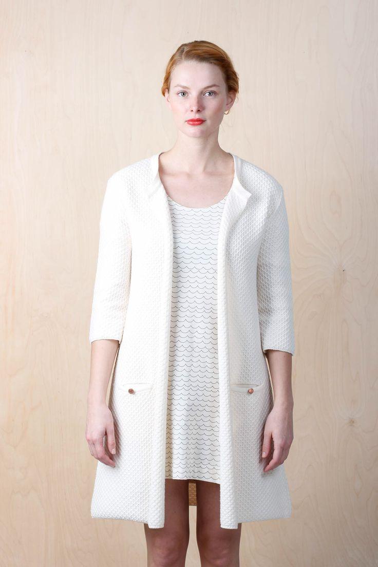 http://emmamalena.com/retailers/em-dam/em-annika-knitted-offwhite.html