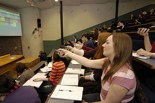 Electronic Voting Systems and interactive lectures