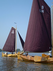 "Saling in an authentic ""zeilpunter"", part of the area's maritime heritage. Still every summer they participate in a competition and also for rent for public in WaterReijk Weerribben Wieden (WaterReijk.nl/en)"