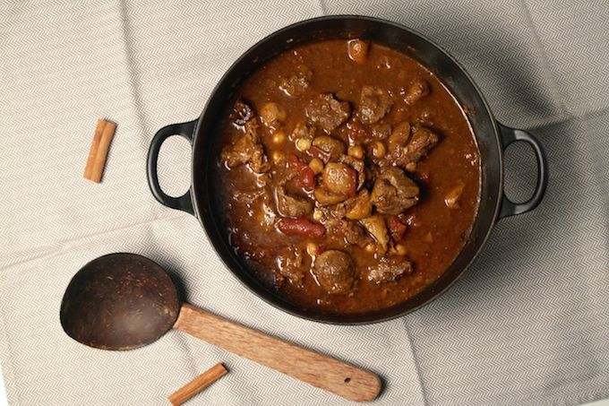 Moroccan lamb stew with oriental spices, figs and chickpeas -www.FoodFamily.net