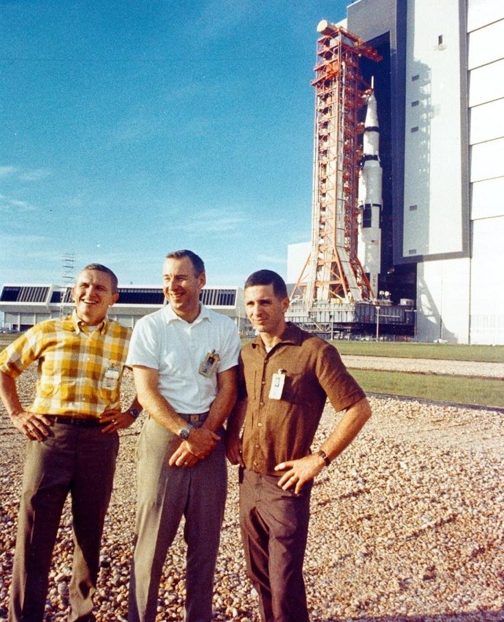 best books on the apollo space program - photo #27