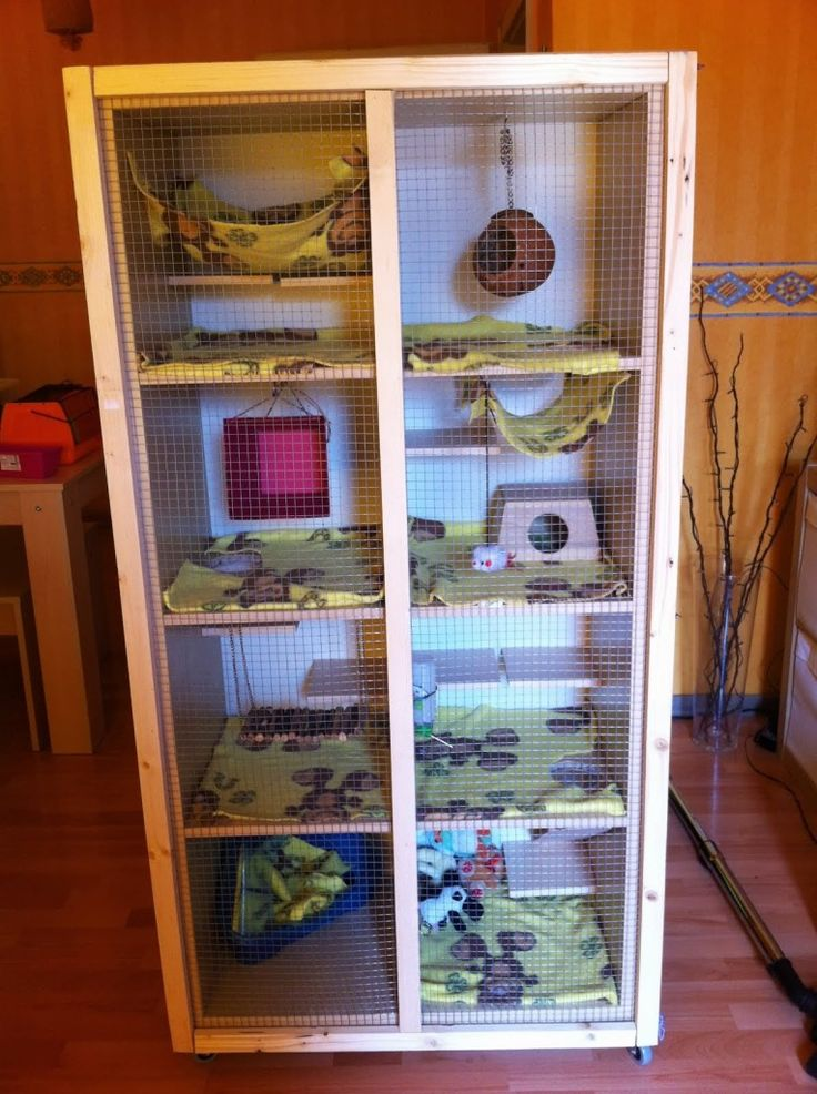 Animal cage IKEA Hackers - Materials: EXPEDIT 2x4 shelf, ANEBODA back panel, BENNO shelf leftovers, RILL small rolls, roof battens, wire rack, drill and additional part for drilling l