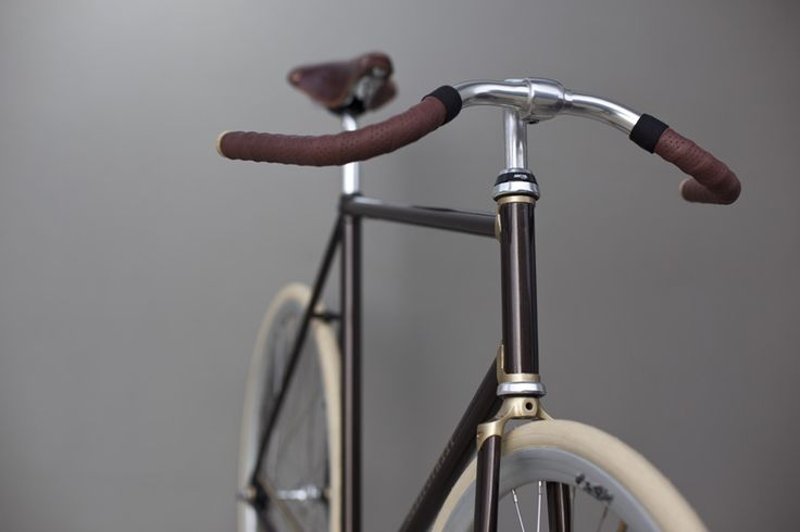 amazing how much better photos look with a real background #bikes
