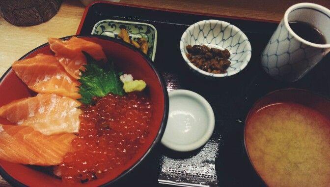 Back at tsukiji for more sashimiiiii