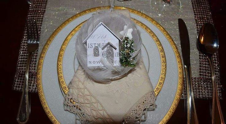 Little, glittery house ornaments #ireneandnickicrafts were used on this gorgeous table setting by #myonolifestyle. Google