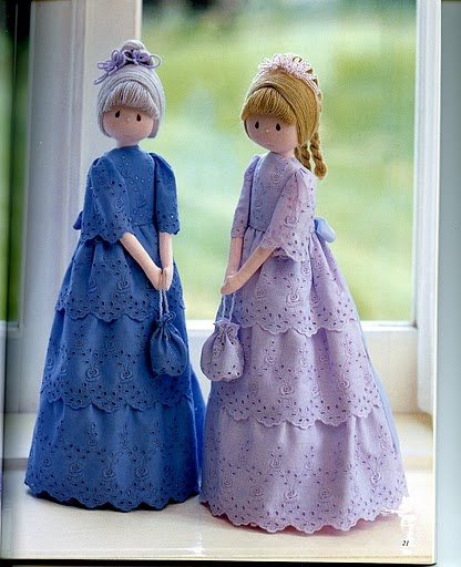 Dolls....To make! Tutorial: http://handmade-paradise.ru/kak-sshit-kuklu-damu/ Looks so doable!