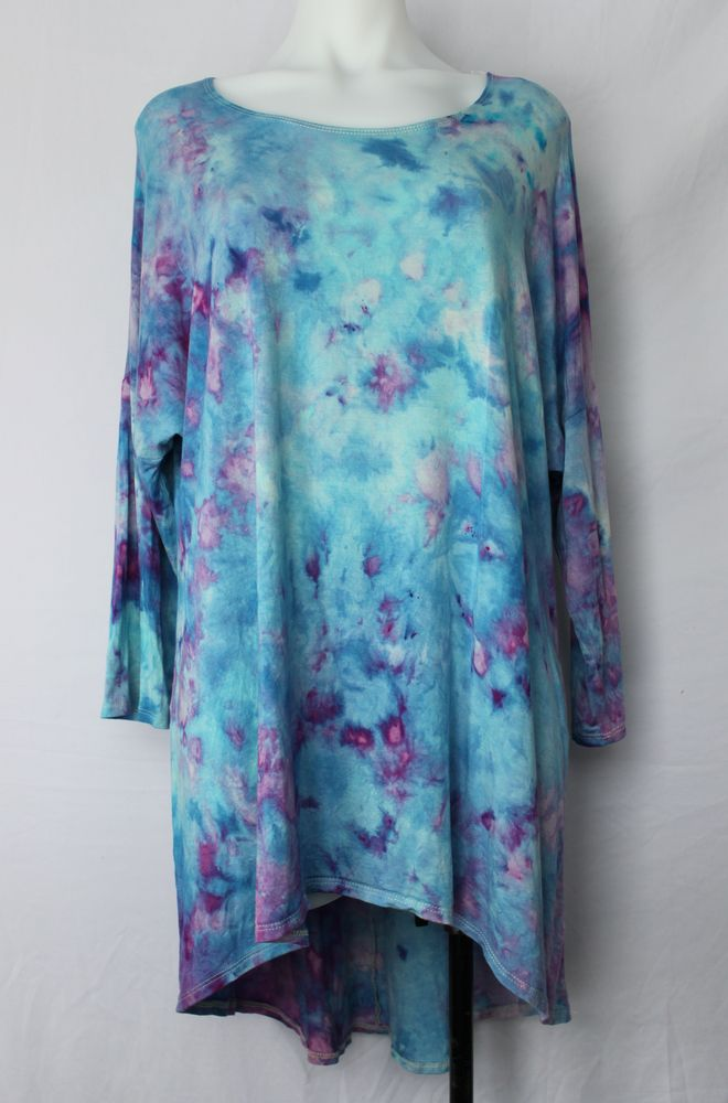 Women's 1XL hi lo tunic ice dye - Jessamine Blue crinkle by A Spoonful of Colors Find this item on https://aspoonfulofcolors.com
