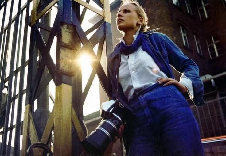 CZŁOWIEK Z MARMURU - niesamowity film, świetnie zbudowany i fajnie zagrany; o zaangażowanej Agnieszce albo o prostolinijnym Birkucie... świetna muzyka i mimo ponad 2 godzin wcale nie dłuży się