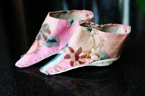 Foot binding - Wikipedia
