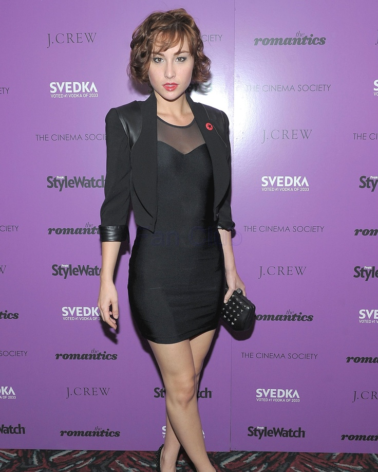 Allison Scagliotti Pictures | Sky HD Wallpapers