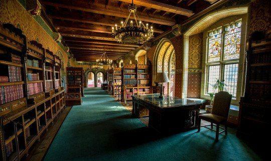 Прогулки сквозь века | ВКонтакте   Библиотека в замке Кардифф, Уэльс.