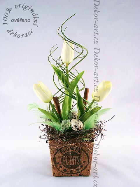 #Moderní #jarní bytová #dekorace s bílými tulipány.