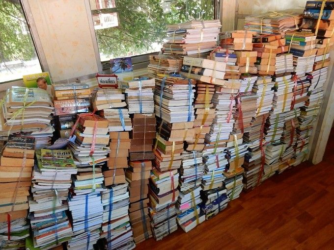 Alphabetizing Books Quickly: QuickSort, Insertion Sort, and Bubble Sort