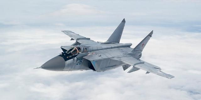 15 photos of the MiG-31, the Russian fighter jet that can chase away SR-71 Blackbirds