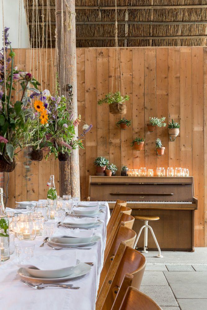 hanging gardens, piano, barn dinner detail. Flinkefarm. photocredits: Hans Mossel