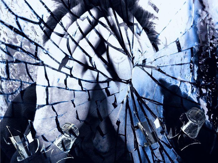 Gesteigerter Bewegungsdrang und das unablässige Wiederholen gleichartiger Handlungen sind klassische Begleiterscheinungen einer Demenzerkrankung. US-amerikanischen Wissenschaftlern ist in einer randomisierten klinischen Studie der Nachweis gelungen, dass das Antidepressivum Citalopram diese Symptome vermindert. Doch gleichzeitig verschlechtert die...