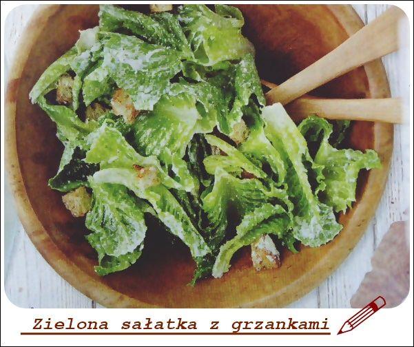 sałatka z grzankami zielona To będzie pyszna sałatka w sam raz na letnie upały. Aby ją przygotować, wystarczy tylko chwila, około 15 minut. A do tego będzie mało tucząca i zapewne… posmakuje.