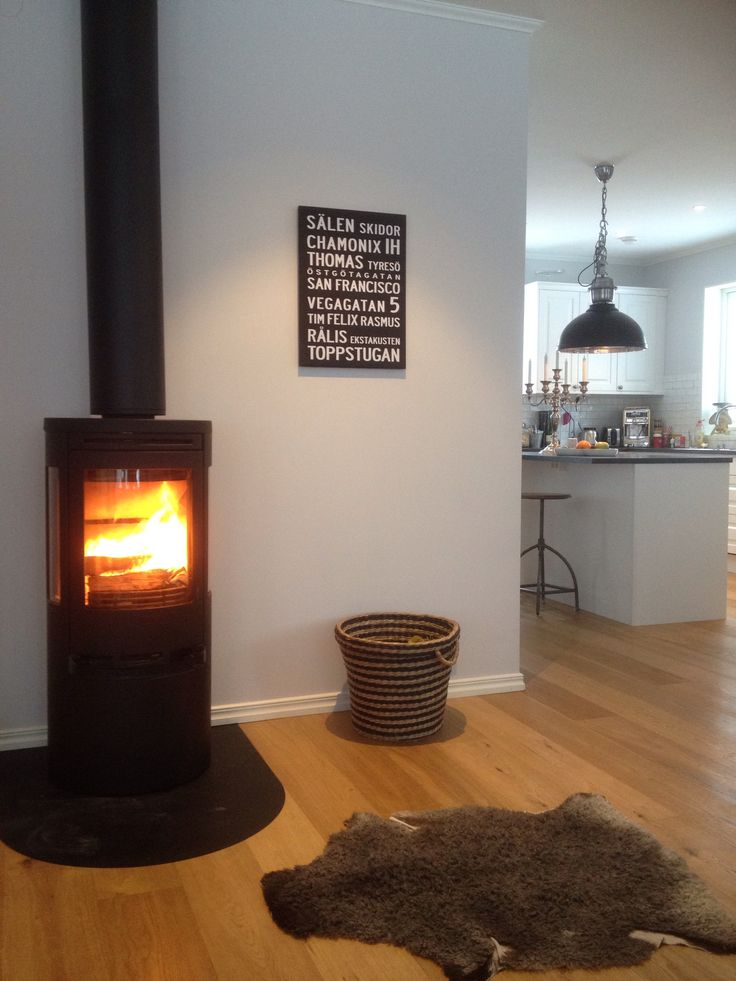 open fireplace living room kitchen, interior, vardagsrum, kök, inredning, inspiration, inspiration, idea, eldstad, industri, lammskinn, living room, inspire, interior, design, fireplace, livingroom, creative,