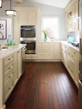Diamond Cabinetry #kitchen #cabinets Leeton Style Door Is All About The  Subtle Details.