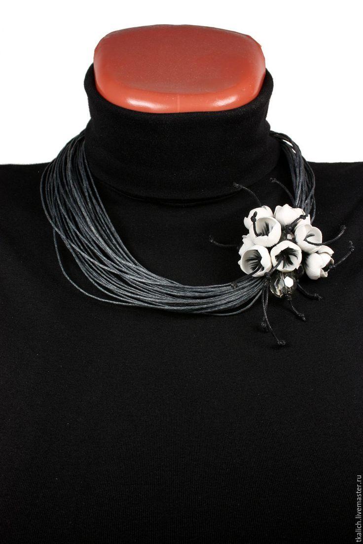 Купить №50 Колье ручной работы изготовлено из полимерной глины CERNIT - серый, Бижутерия