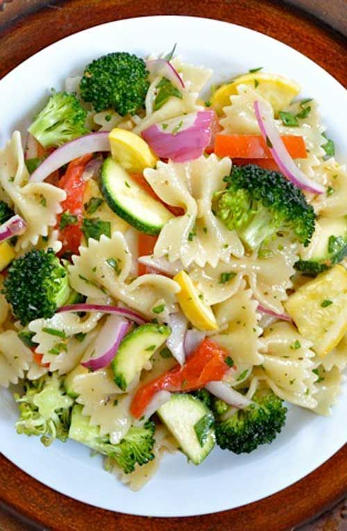 Recipe for Summer Vegetable Pasta Salad - I packed this salad as full of all of the veggies that I possibly could. I'm happy to say, it worked. This pasta salad was so good that I've been eating it about twice a day!