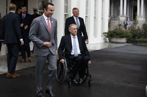 From left, Charter Communications CEO Thomas Rutledge, Texas Gov. Greg Abbott and Reed Cordish, Assistant to the President for Intragovernmental and Technology Initiatives, leave the White House in Washington, Friday, March 24, 2017, to talk to reporters following their meeting with... http://usa.swengen.com/trump-touts-charters-four-year-plan-to-add-20k-jobs-and-invest-25b/