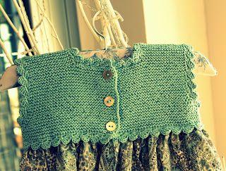 Las coletas de Marisina: Vestido y pelele con canesú de hilo color verde agua