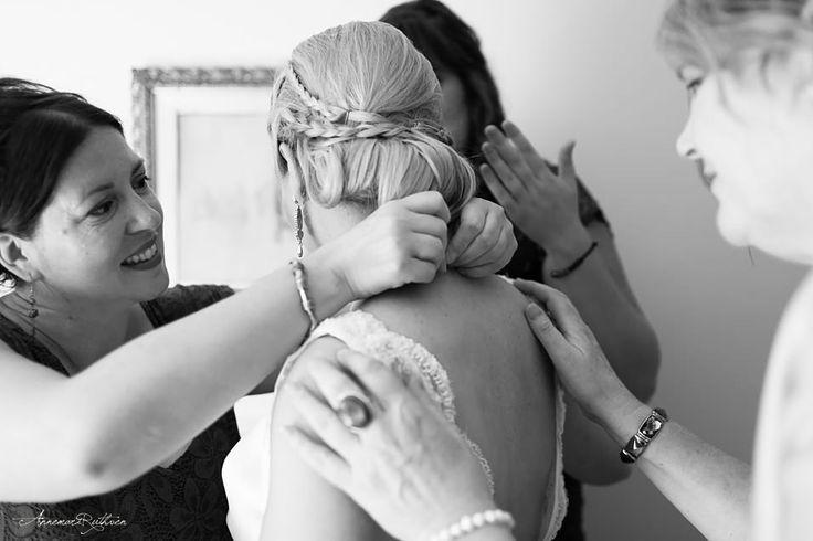Bride getting ready  #wedding #londonwedding