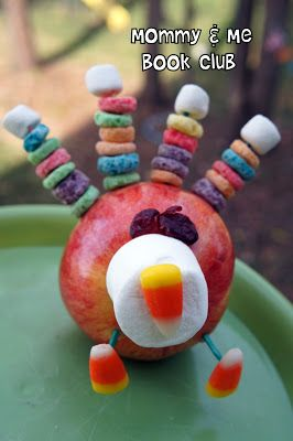 Cute turkey craft snack, kids can assemble themselves!