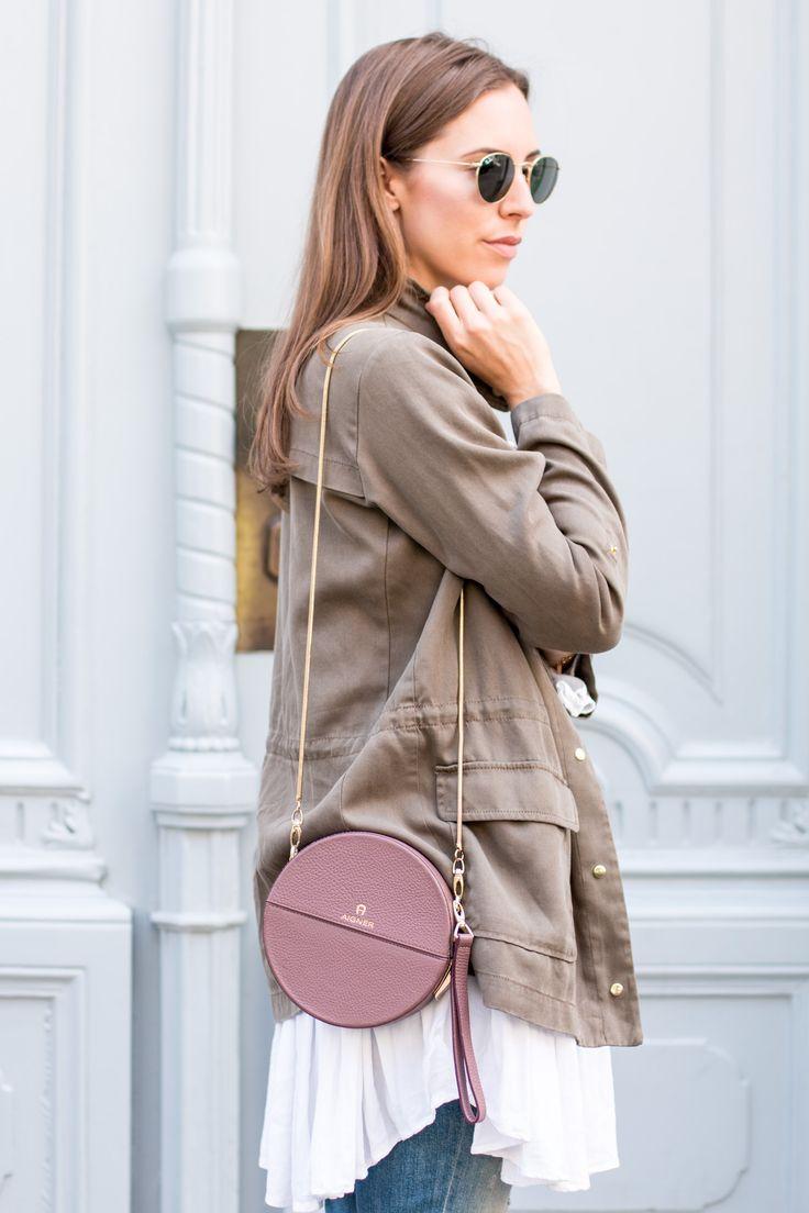 2016 Tasche: Aigner Tonda Bag    Jacke, Jeans: Zara    Schuhe: La Palmerie