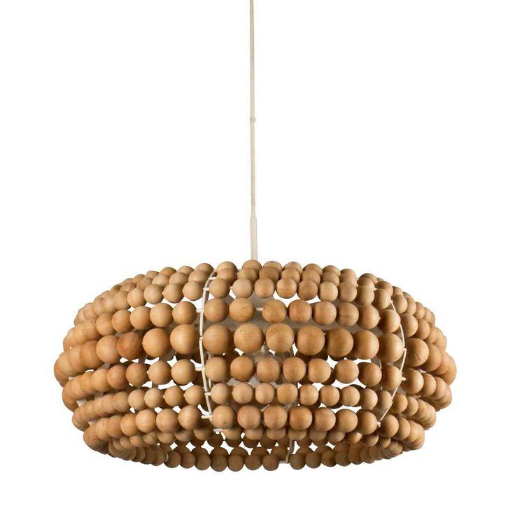 Lyktan Garbo -riippuvalaisimen puuhelmet tuovat tuulahduksen 1960- ja 1970-luvuilta. - Lyktan Garbo -ceiling lamp gives a whiff from the 1960´s and 1970´s.