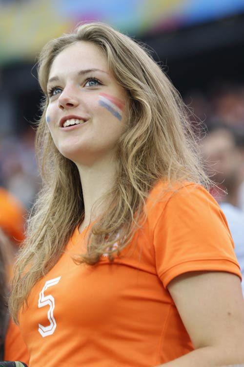 オランダの美女サポーター(高須力氏撮影) ▼10Jul2014日刊スポーツ|美女 - 写真特集 ブラジルW杯 http://www.nikkansports.com/brazil2014/photogallery/bijo/f-sc-tp0-20140710-1332019.html #Brazil2014