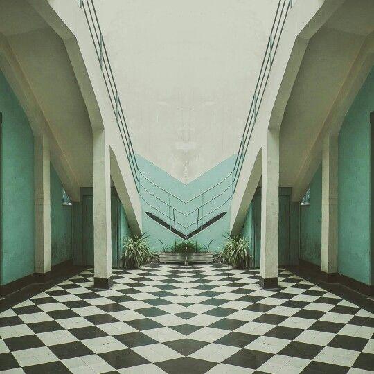 Reflejo digital  La Piscina de la Universidad de Chile, recinto deportivo y cultural diseñada por el arquitecto #LucianoKulczewski