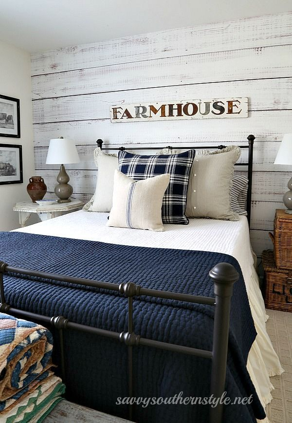 Savvy Southern Style: What I'm Loving.....metal beds