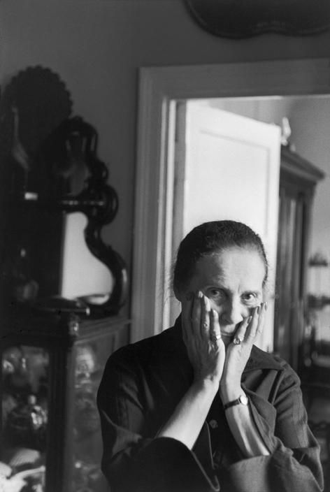 Henri Cartier-Bresson, Lilya Brik, muse de Vladimir Mayakovsky, Moscou, URSS, 1954. © Henri Cartier-Bresson/Magnum Photos.