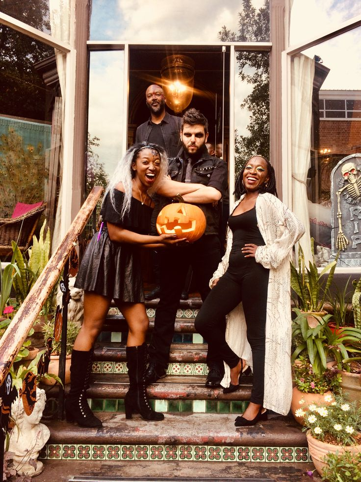 Halloween party  #halloweencostume #party #pumpkin #fashion #style #shopping #ootd #costume #fashionbloggers #bakedbrowniez #sobb #storyofabakedbrownie #Sepo #Jackie #KloofStreetHouse #kloofstreet #capetown