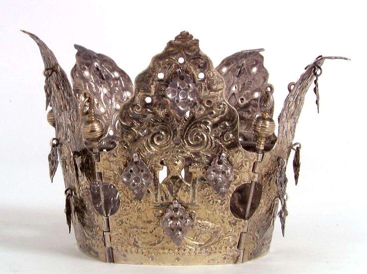 Bridal crown | Anne-Lise Reinsfelt | 1700-1750 | Norsk Folkemuseum | CC BY-SA