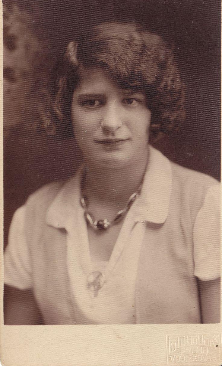 Anna Malinová met paratrooper Josef Gabčík in 1942. Her husband Antonín died year before. Foto: Rodinný archiv Aleny Voštové