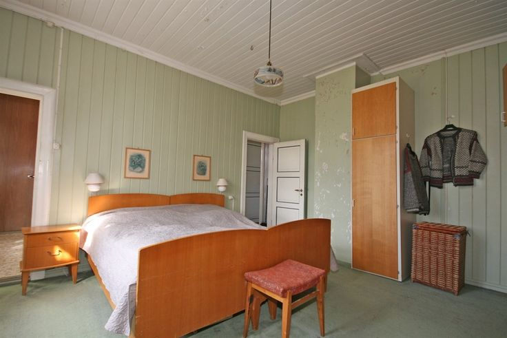 FINN – Småbruket Holmgård med stort og herskapelig våningshus, låve og garasjebygg