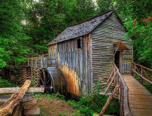 Cable Grist Mill, Cades Cove, Great Smoky Mountains National Park,  Tennessee; built in 1870s) // Jerry E. Shelton