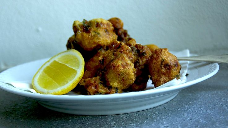 frittelle di bacala - salted cod in a very crispy batter.....bring on the beer....
