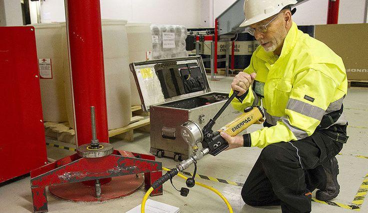 Bygg.no: Würth deler kunnskap om betonginnfesting. Würth Norge har lansert tilbudet Skulder ved Skulder til håndverkere som arbeider med betonginnfesting.