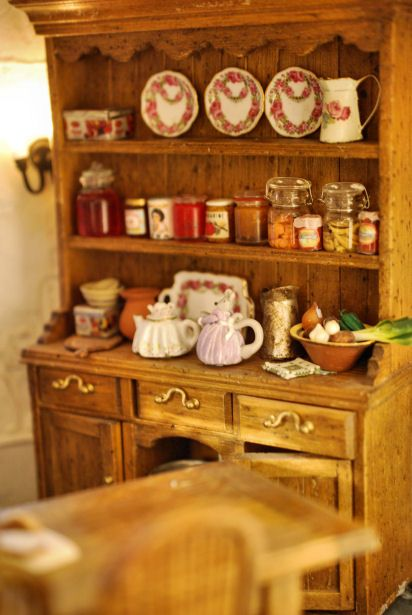 High Quality Kitchen Cupboard In The Oak Mouse House