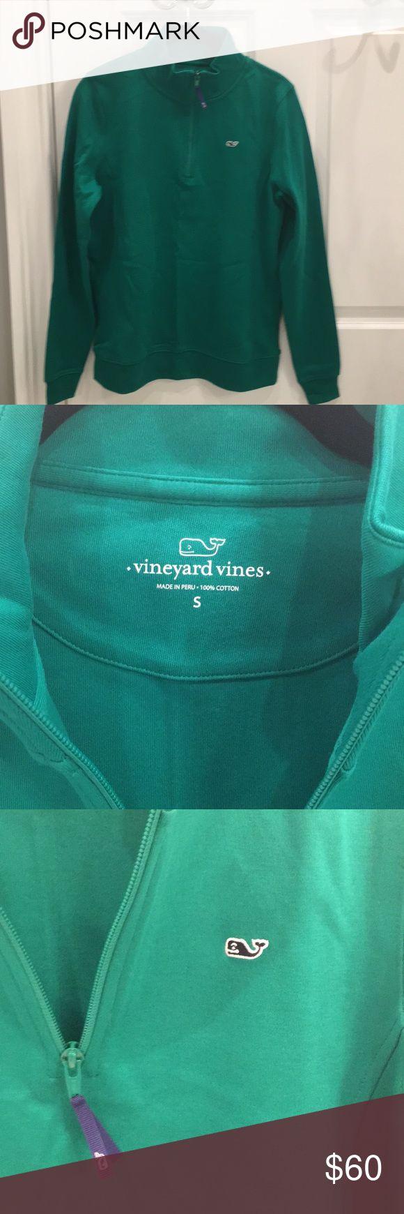 Vineyard Vines sweat shirt NWOT Vineyard Vines sweat shirt.Kelly green. Women's small. Vineyard Vines Tops Sweatshirts & Hoodies