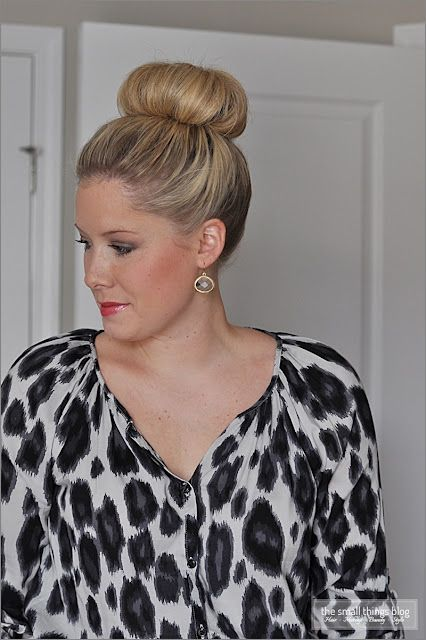 The Small Things Blog: The High Bun -- But she did not use the sock bun method; NYE Hair :)