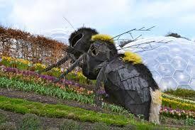 bee sculpture