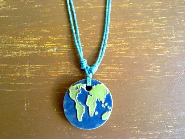 Kalung Peta Dunia (Rp. 15.000)